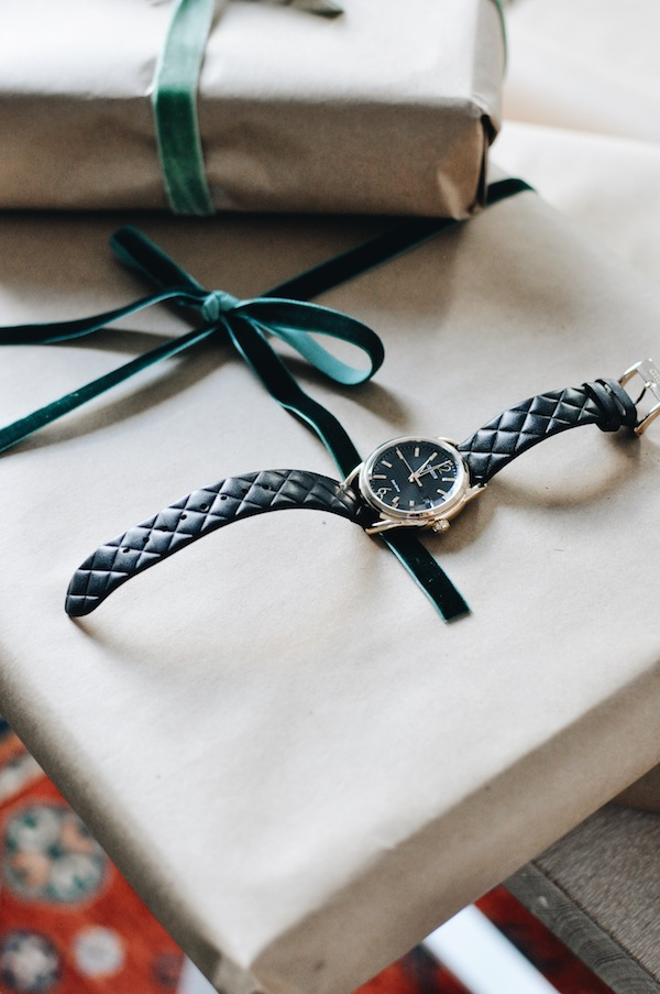 Citizen Watches Time for the Holidays Plaid Gift Wrap Ideas Pinterest